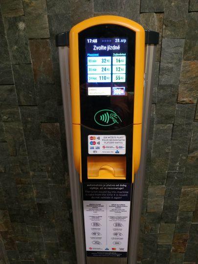 ticket machine in Prague contactless